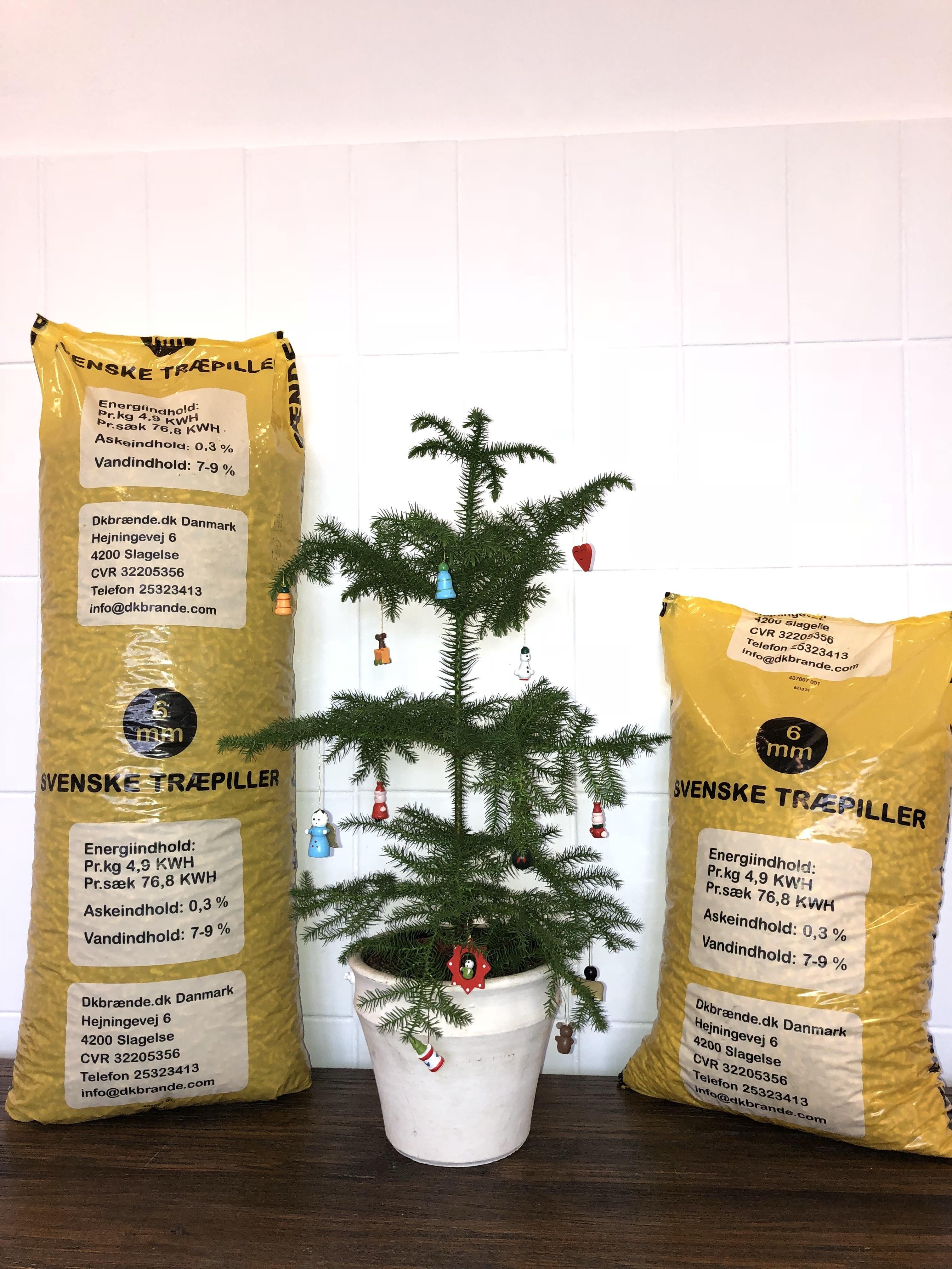 Dkbrænde træpiller svenske 6mm 900kg 10kg poser